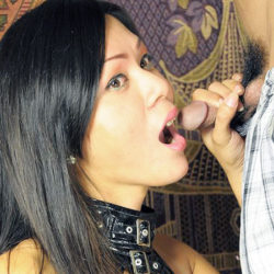 Pinay Trans Puts On A Show